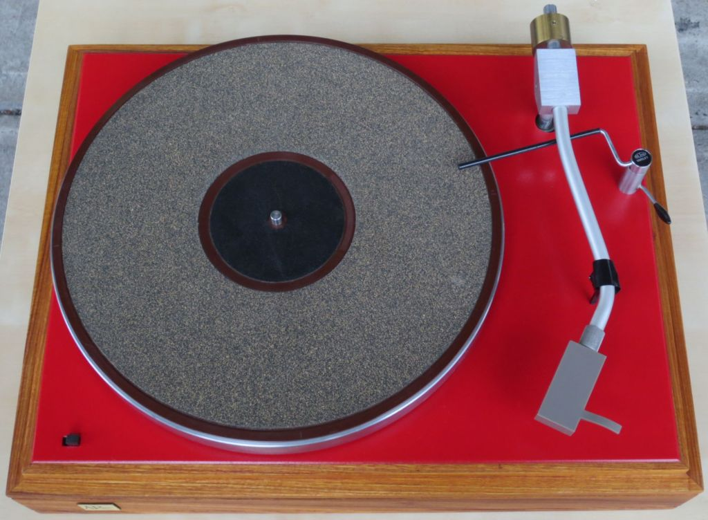 AR Turntable with Custom Plinth, Paint and Arm Lift