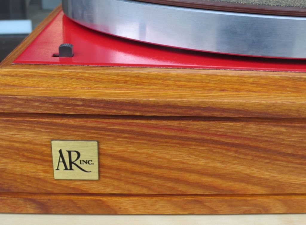 AR Turntable - Plinth Detail