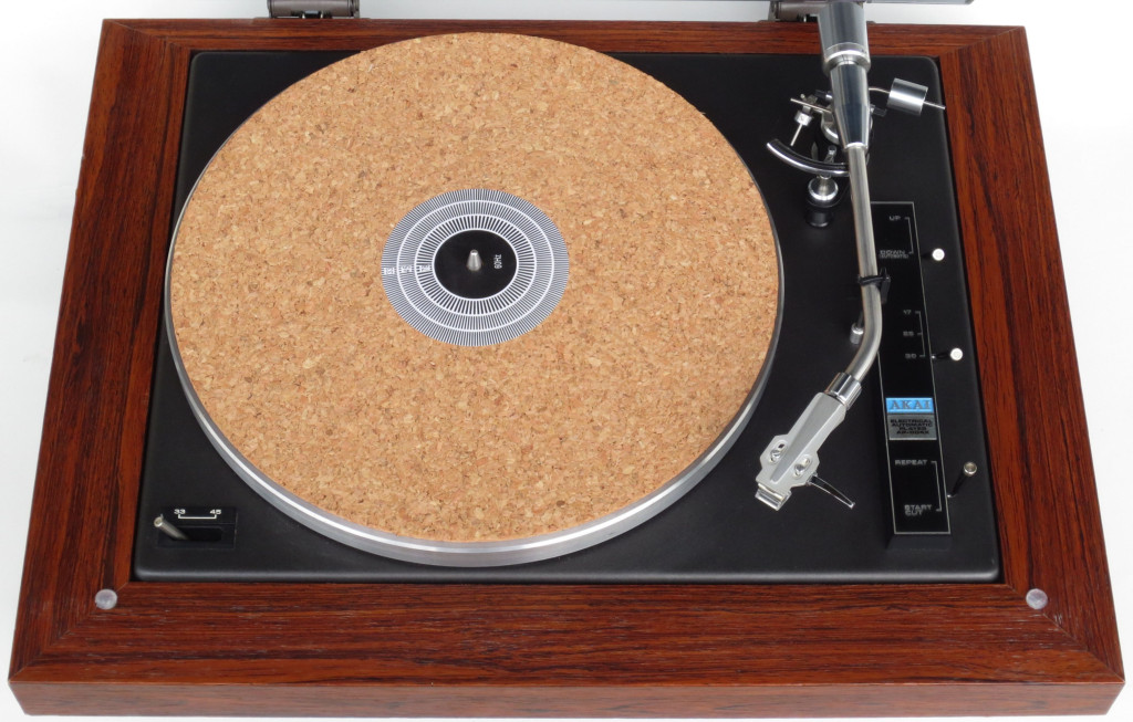 Akai Ap-004 X Turntable