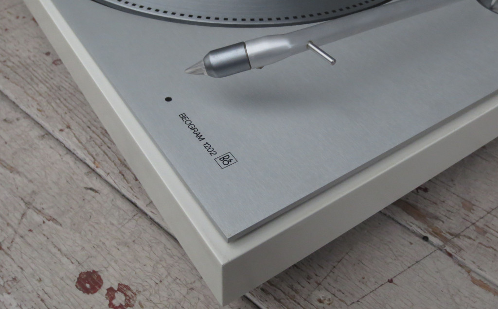 B+O Beogram 1202 Turntable Detail