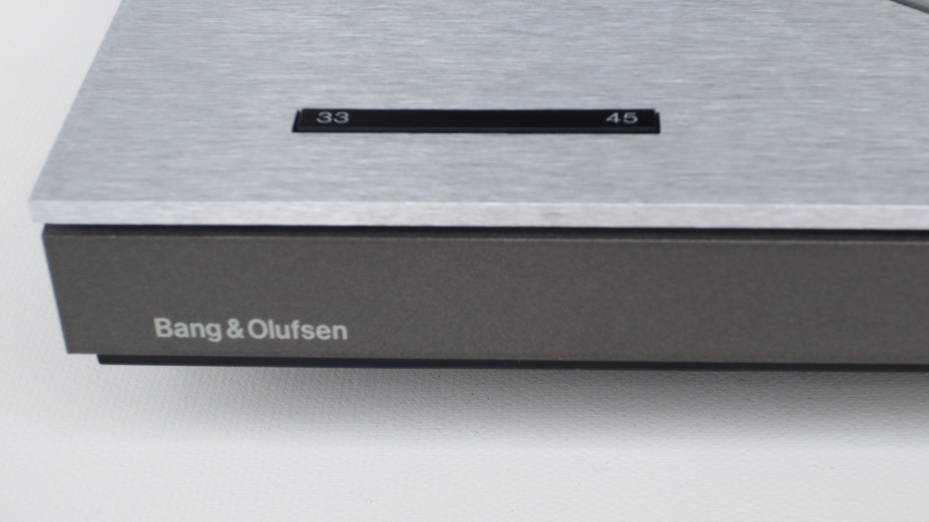 The Turntable Shop - Bang & Olufsen Beogram TX2 Record Deck Detail