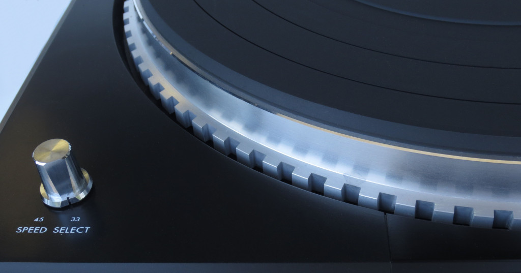 JVC QL-4 Turntable Detail