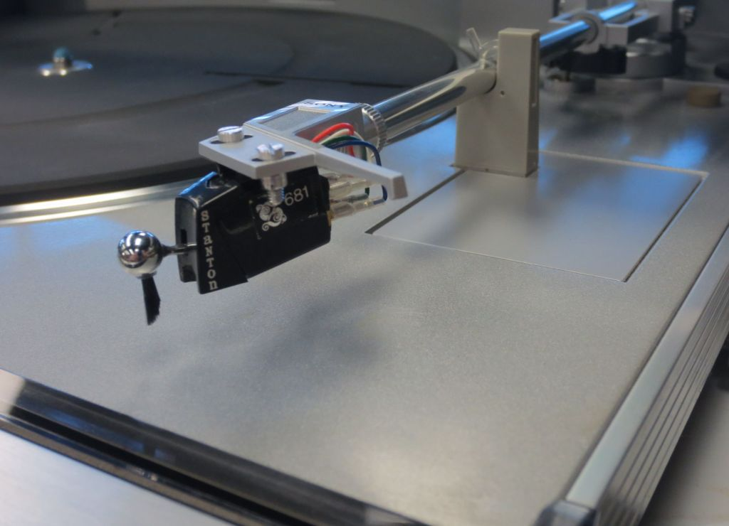 Sony PS-FL5 Turntable Detail
