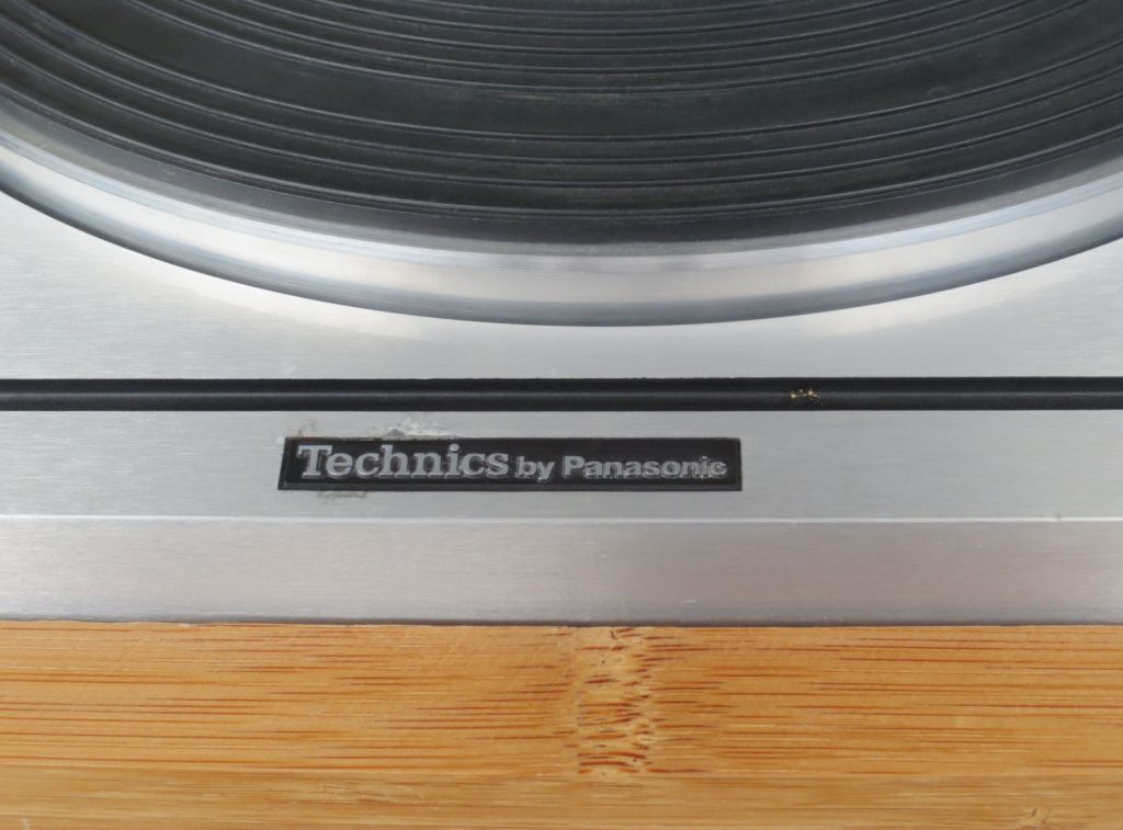 Technics SP-10 D Turntable Detail