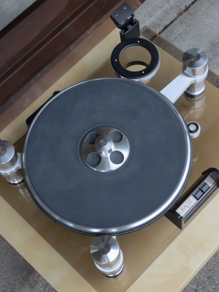 Oracle Delphi III Turntable