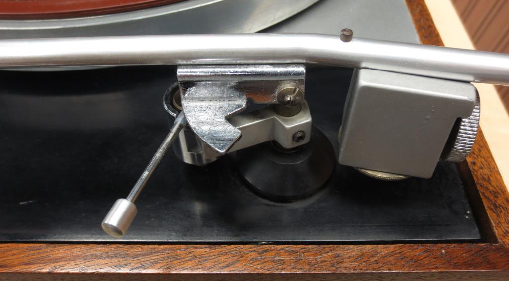 Thorens TD150 Turntable