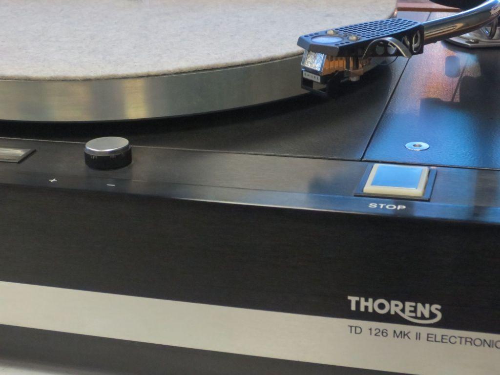 Thorens TD 126 Turntable Detail